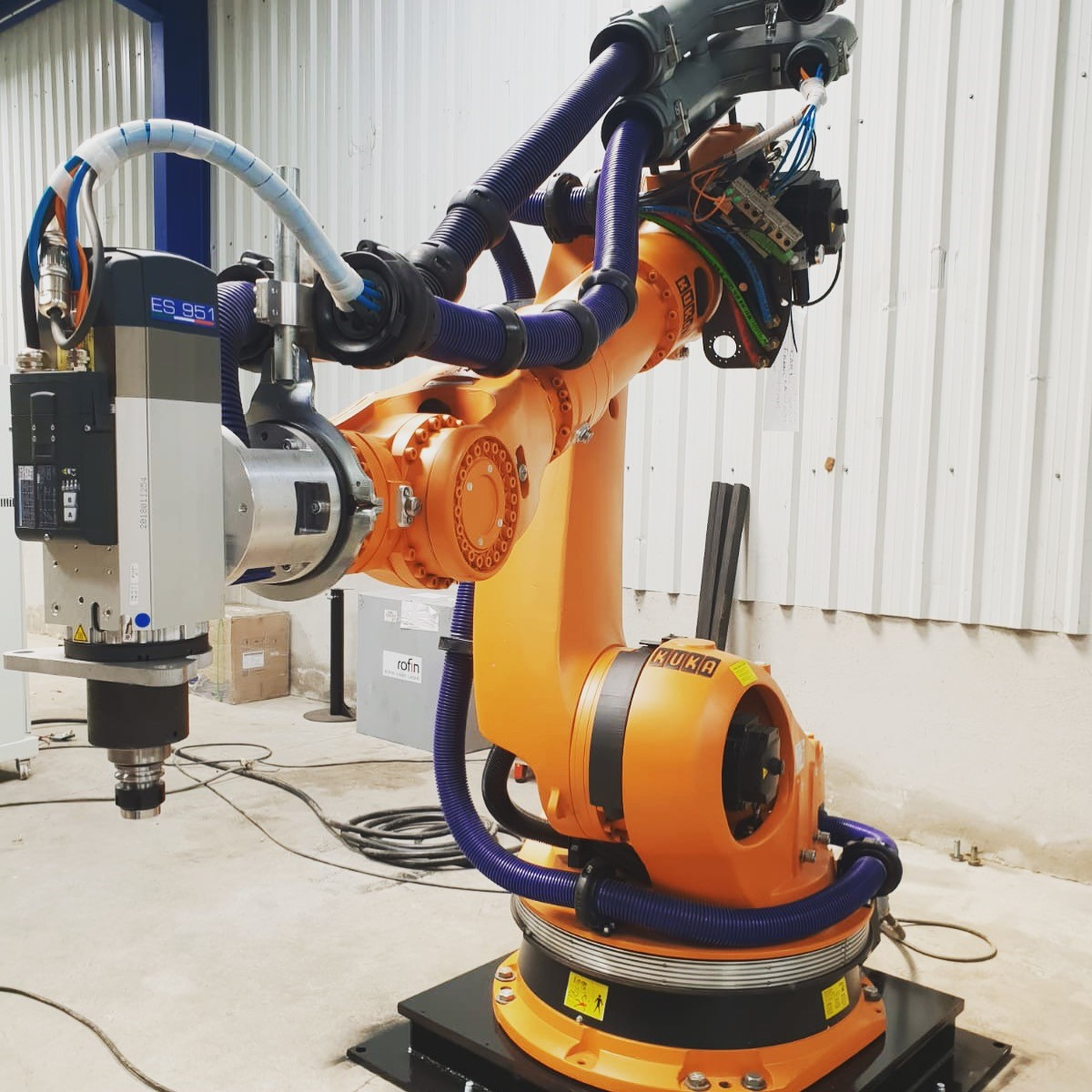 THE WOOD INDUSTRY BECOMES AN ARTISTIC INDUSTRY WITH ROBOTIC MILLING SYSTEMS