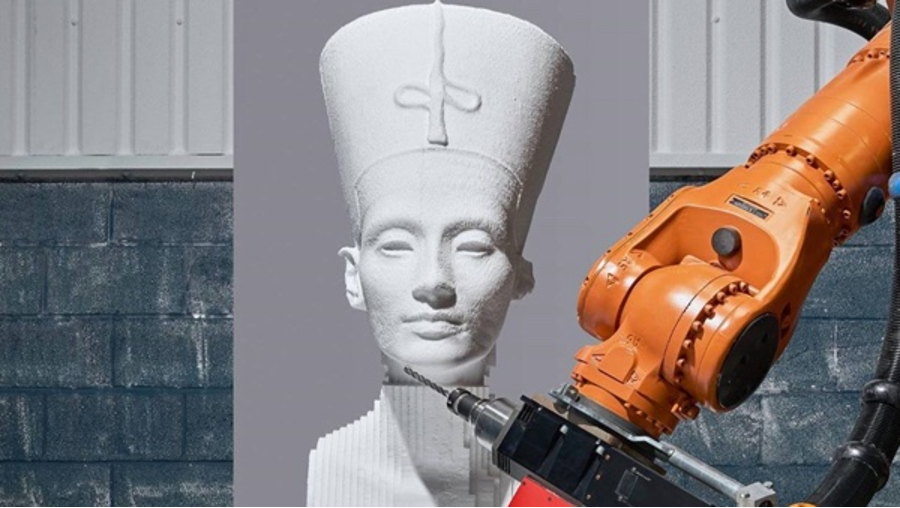 A KUKA ROBOT IS MILLING FOR MOVIES
